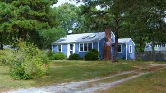 Yarmouth Cottage Close to Long Pond Sleeps 8 playful-cottage-w-loft-close-to-long-pond-and-beaches_judithsaum