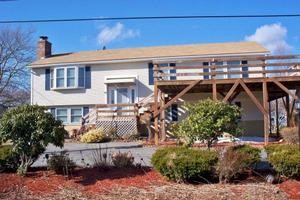 Hyannis Ocean View Sleeps 12 ocean-views-1-4-mile-to-veterans-memorial-park-beach_caperentals
