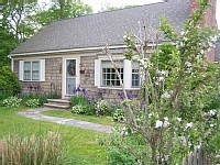 Hyannis Charmer - sleeps 8 quaint-hyannis-home-minutes-to-beaches-and-shopping_lhardacre